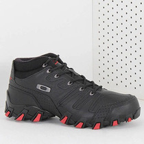 Bota Adventure Masculina Oakley Teeth Sqr Mid - Preto
