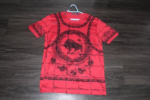 546c5266879 Camiseta Dolce   Gabbana Bull Tamanho P Com Nota Fiscal.