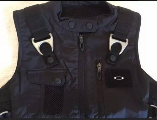 dffe2acb7cb Colete Oakley Ap Vest à venda em Brás São Paulo Centro São Paulo por ...
