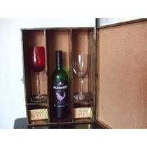 Caixa Para Vinho Em Mdf E Latonagem Envelhecida.