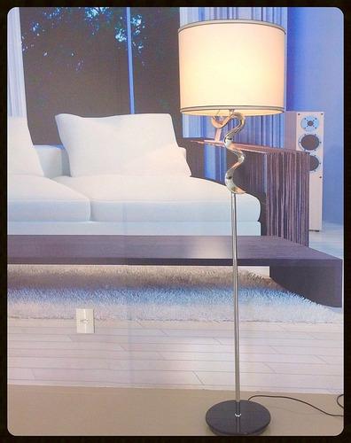 Abajur Coluna De Chão Moderna Sinuosa Para Sala Ou Quarto  ~ Abajur Ou Luminaria Para Quarto