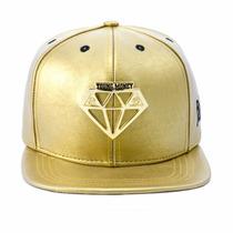 Boné Aba Reta Snapback Ostentação Diamante Dourado.
