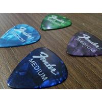 Kit Com 20 Palhetas Fender Medium - Para Violão Ou Guitarra