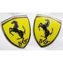 Emblemas 2pçs Scuderia Ferrari Em Metal !!!