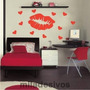 Grande Adesivo Decorativo Parede Beijo Com Corações 1m X 1m