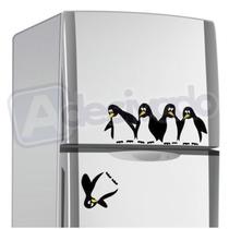 Adesivado - Adesivo Decorativo Pinguim Caindo Da Geladeira