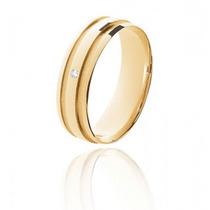 Aliança De Casamento Em Ouro Anatômica Abaulada Com Diamante