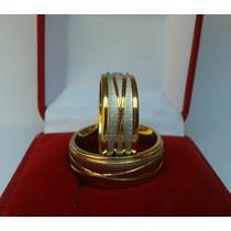 Par Aliança Aço Inox 8mm Banhado A Ouro Compromisso Noivado