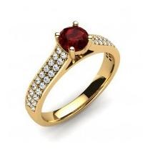 Anel Em Ouro 18k Com Rubi E Diamantes - Cwb Joias