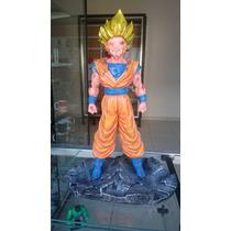 Estátua Dragon Ball Z Goku Aprox. 35cm Em Resina