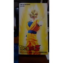 Dragonball Z Goku Super Saiyan Medicom /hot Toys/ One Piece