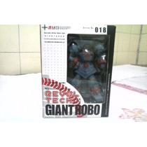 Revoltech Robô Gigante