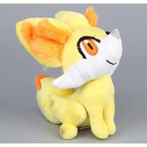 Pelúcia Pokémon Fennekin 20cm