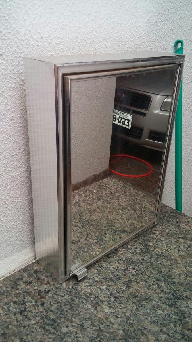 Armário De Alumínio Para Banheiro modelo Sobrepor  R$ 49,90 no MercadoLivre -> Armario Banheiro Sobrepor