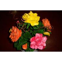 Flores Em Eva. 5 Rosas, 4 Botoes E 18 Folhas Sem O Vaso