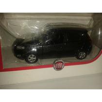 Miniatura Fiat Palio - Escala 1:43 - Norev