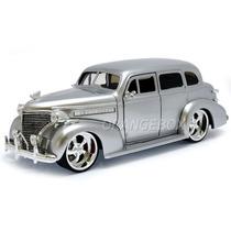 Chevy Master Deluxe 1939 1:24 Jada Toys #90376-prata