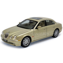 Jaguar S-type 1:18 Maisto Special Edition 31865-champagne