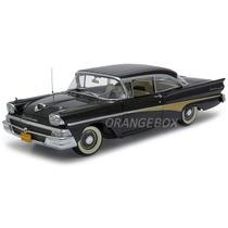 Ford Fairlane 500 Hardtop 1958 1:18 Sunstar Platinum 5272