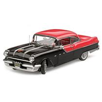Miniatura De Pontiac Star Chief Hard Top 1955 1:18 Sun Star