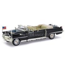 Cadillac 1956 Presidencial Limousine Signature 1:32 32356
