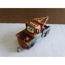 Mater With Oil Can - Disney Pixar Cars - Carros