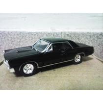 Miniatura Pontiac 1965 - Welly