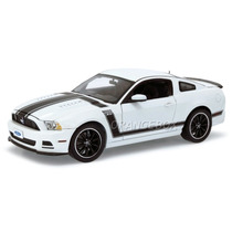 Ford Mustang Boss 302 2013 Shelby Collectibles Branco Sc452