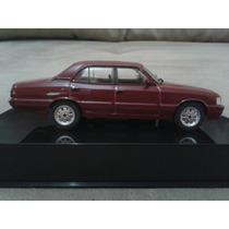 Miniatura Opala Diplomata 92 - Escala 1/43 Salvat Chevrolet