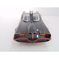 Batmóvel 1966 Batman & Robin Hot Wheels Elite 1:18