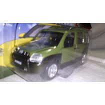 Miniatura Fiat Doblo Verde Escala 1:43