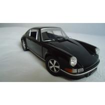 Porsche 911 1:18 Universal Hobbies
