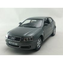 Miniatura Audi A3 Escala 1:32 Cinza Grafite
