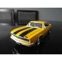Miniatura Chevrolet Camaro 1967 Amarelo 1:37 Kinsmart