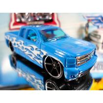 Hot Wheels Chevy Silverado Pickup 132/2014 Lacrado/blister
