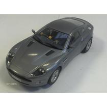 Aston Martin V12 Vanquish Escala 1:32 Carrera Novoslot Car