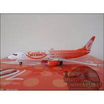 Avião - Boeing 737-800 - Gol Smiles - 1:400 - Phoenix