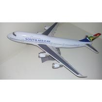 Maquete Em Resina Avião B747-300 - South African