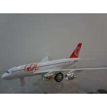 Miniatura De Avião Comerciel Gol Com Luz E Frecção