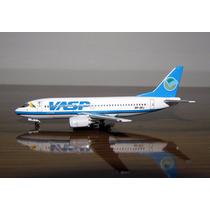 Avião Boeing 737-300 Vasp Aeroclassics 1:400 (8.31 Cm)