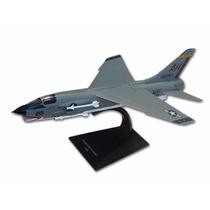 Jato Vought F-8e Crusader