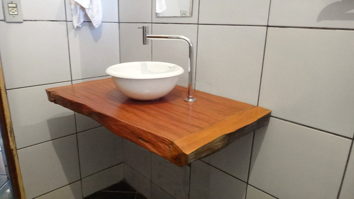 Bancada Para Banheiro Ou Lavabo Em Madeira Peroba Rosa  R$ 400,00 no Mercado -> Pia Para Banheiro Rustica