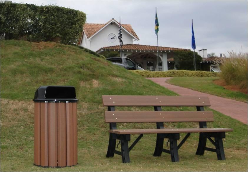 banco de jardim em madeira plástica:banco em madeira plástica. ecologicamente correto!!!!