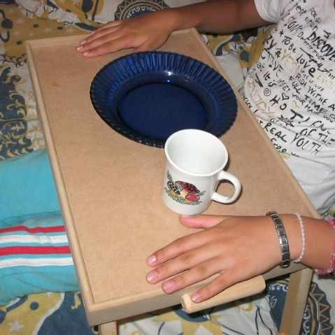 Bandeja Mesa De Cama Com Pezinhos - Para Café Da Manhã
