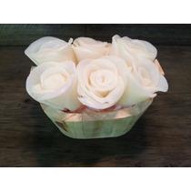 Tina De Madeira Com Sabonetes Artesanais Em Formato De Rosas