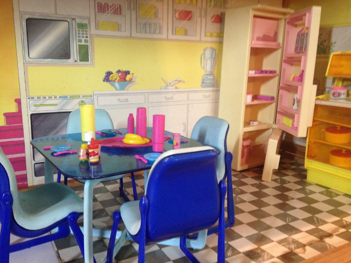 Barbie Casa De Madeira 3 A. Anos 80 C/ Moveis  Frete Grátis R$ 2  #181F82 1200x900