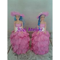 Boneca Barbie Com Vestido Em Eva