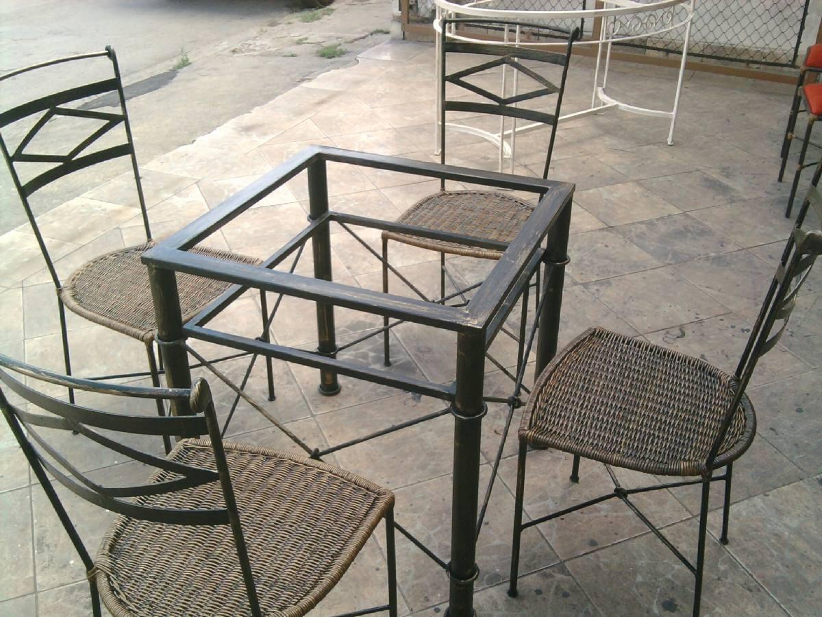 Base De Mesa Em Ferro Med 55x55 Com Cadeiras Junco Sintetíco R$ 1  #7C6F4F 1200x900