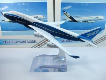 Boeing 747-400 Miniatura 14x16cm