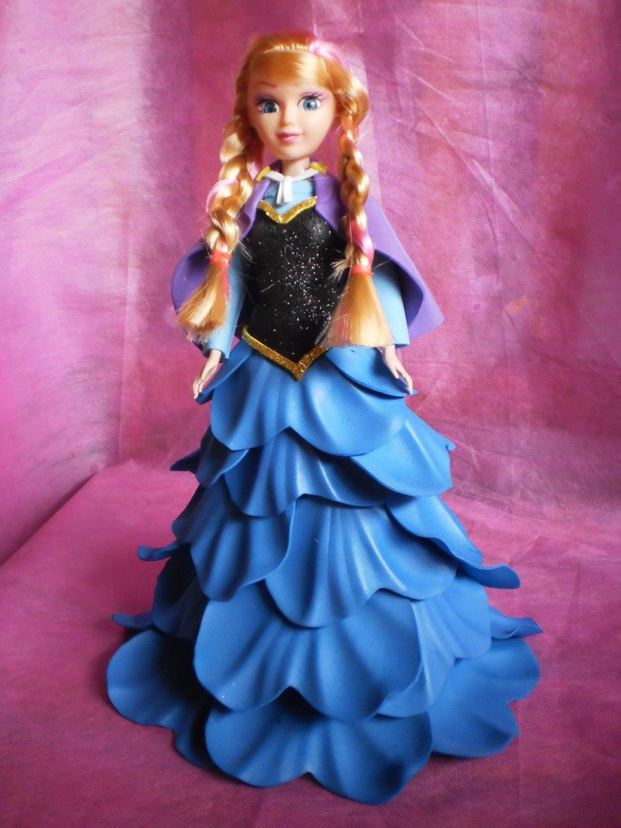 Boneca Com Vestido Em Eva - R$ 55,00 no MercadoLivre